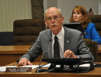 Interim City Manager Allan Roeder, the former city Manager of Costa Mesa who was hired by the city council to lead the city while they search for a permanent manager, has been praised by both the council and city staff for his expertise and commitment to transparency.