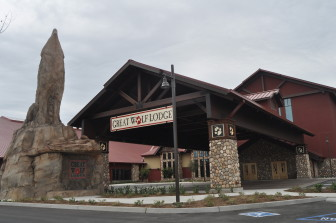 The front of the Great Wolf Lodge Waterpark Hotel in Garden Grove.