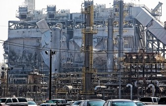 Damage to the ExxonMobil Torrance refinery from the explosion seen from 190th Street