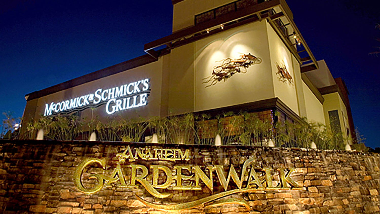 Garden Walk Mall Anaheim: Anaheim Minimum Wage Initiative Could Apply To GardenWalk