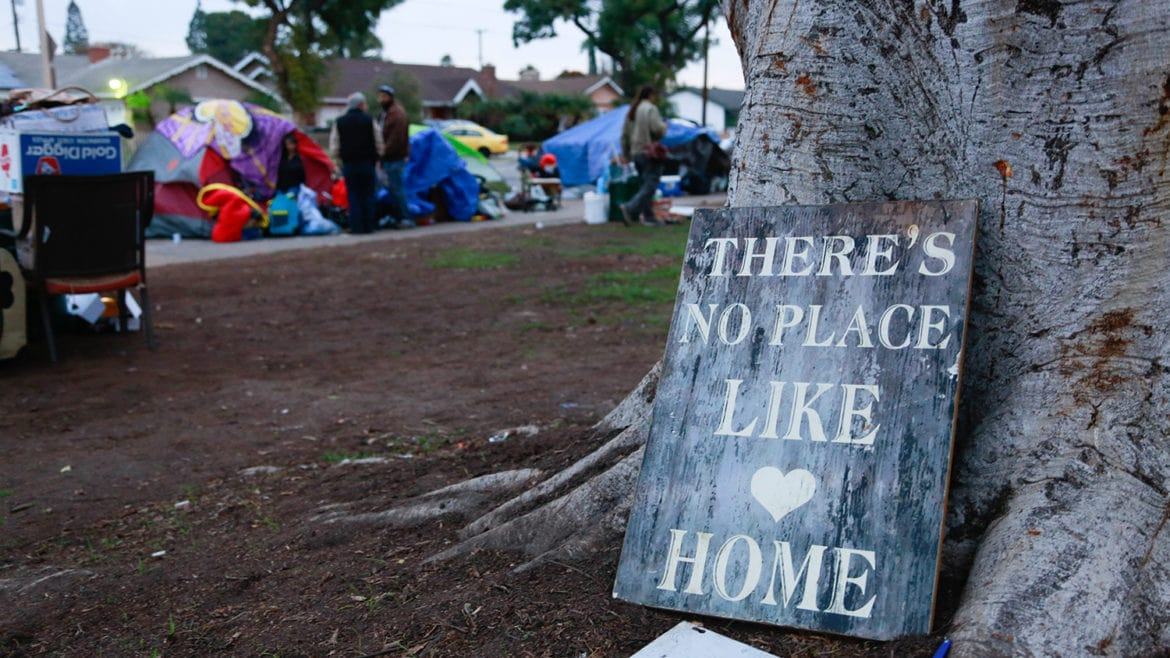 Anaheim Clears Homeless Camp at Maxwell Park, Offers People